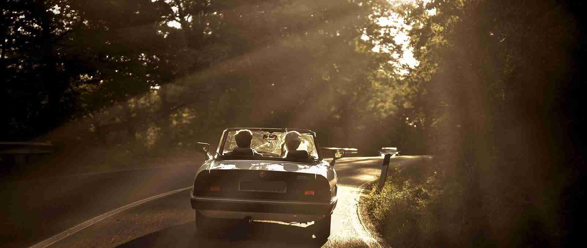vintage alfa romeo wedidng car wedding couple tuscan countryside chic wedding